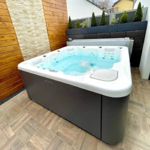 Spa jacuzzi AQUAVIA METZ LUXEMBOURG FEEL